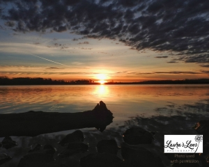 Zorinsky Lake sunrise in Omaha taken by Laura's Lens photography