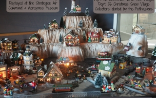 Felthousen Christmas House Collection